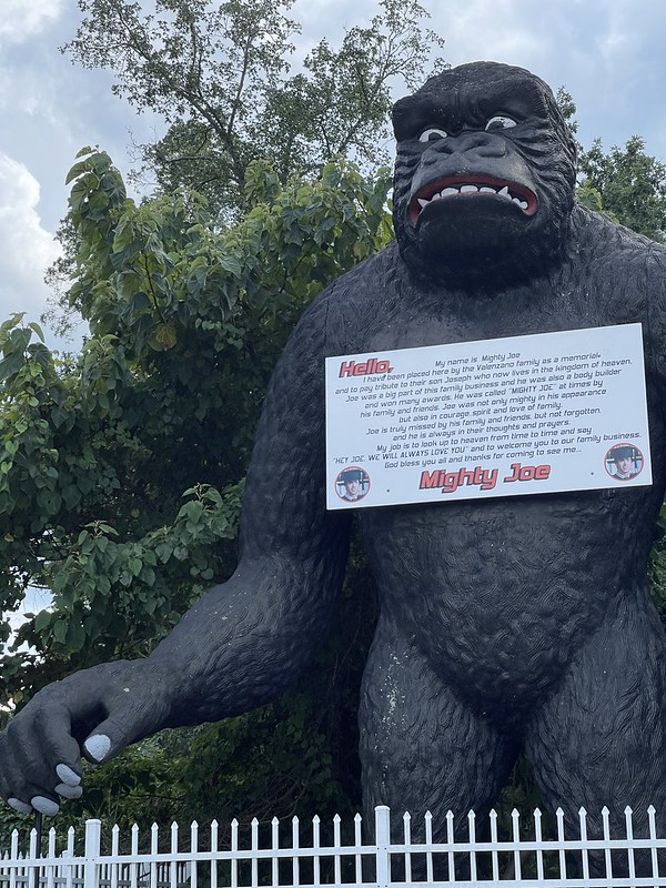 Mighty Joe Young Statue